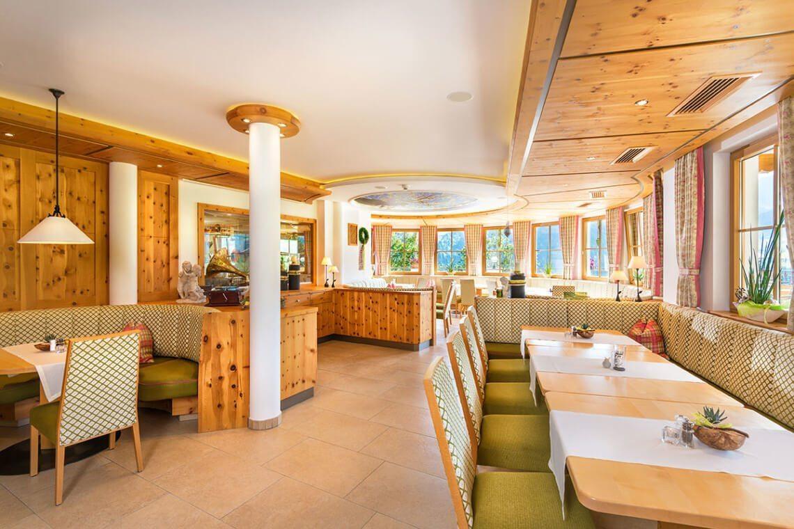 Speisesaal im Berggasthaus in Großarl