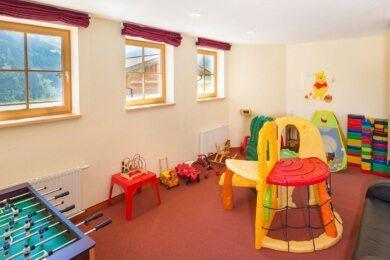 kinderspielraum-hotel-alpenklang-2